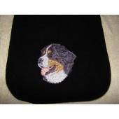 Zwarte fleece sjaal met 2 borduurapplicaties Berner Sennenhond